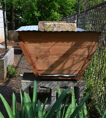 Top Bar Beehive from Hobby Farms
